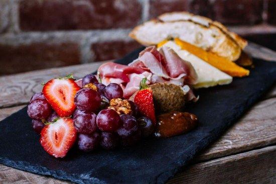 Enumclaw, Вашингтон: Cheese Platter