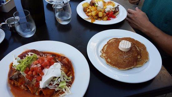 Marina del Rey, CA: Our last breakfast. Was amazing.