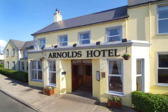 Arnolds Hotel: Front of the Hotel