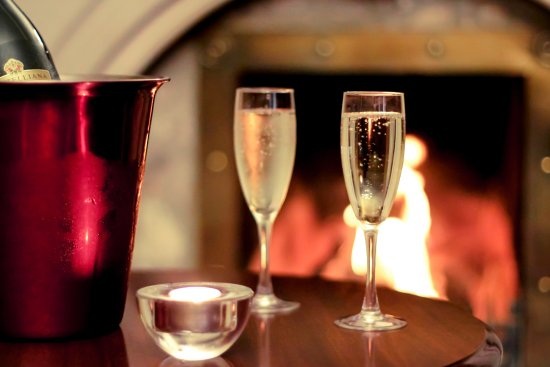 Dunfanaghy, Irlanda: Prosecco by the open fire