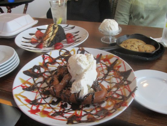 Anderson, IN: 3 awesome desserts...YUM