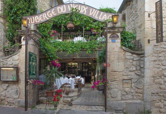 Mallemort, ฝรั่งเศส: accueil AUBERGE DU VIEUX VILLAGE