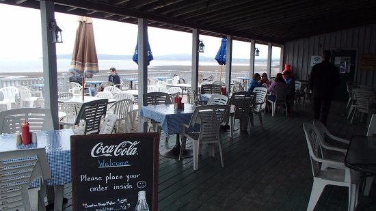 St. Martins, Kanada: Loved eating on the deck looking out at the Caves