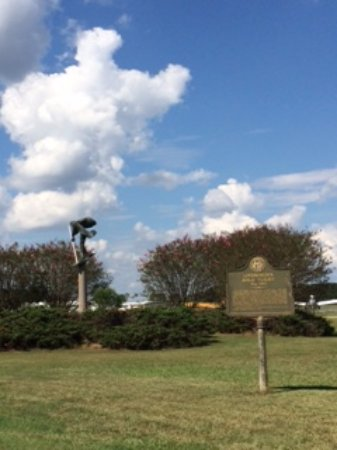 Americus, GA: The statue and the sign.