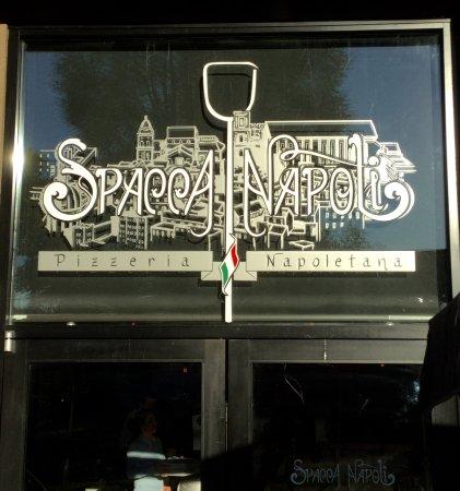 Port Moody, แคนาดา: Spacca Napoli