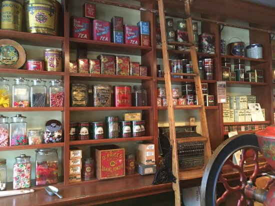 Burnaby Village Museum: Convenience Store