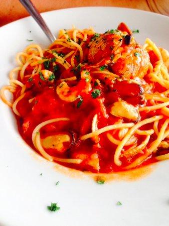 Rafailovici, Montenegro: Спагетти с морепродуктами