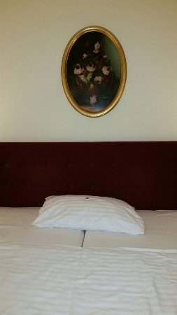 โรงแรมรอยัล: 20160923_180707_large.jpg