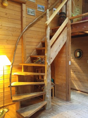 African Beach Bed and Breakfast: Stairs to the loft.