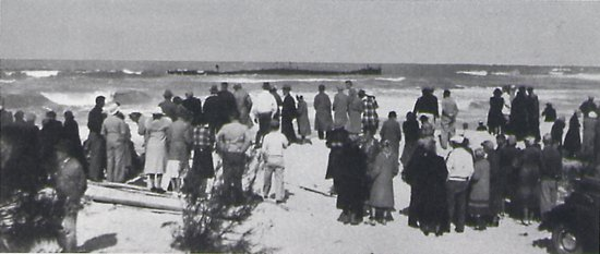 Bradenton Beach, FL: REGINA onlookers March 1940 Photo courtesy of Franklin Price, Archaeologist III, Florida Dept. o