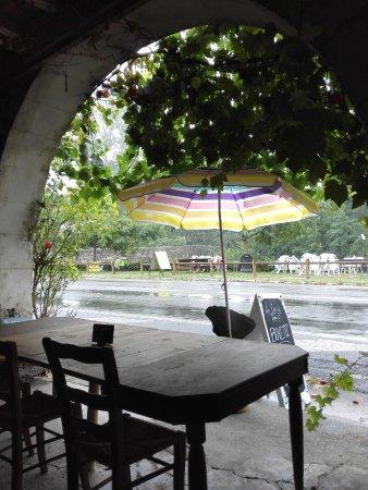 Poudenas, France : la terrasse