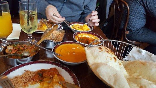 Mother India's Cafe: 3x verschiedenes Chicken