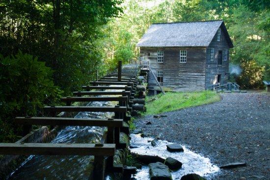 Национальный парк Грейт-Смоки-Маунтинз, Северная Каролина: Mingus Mill
