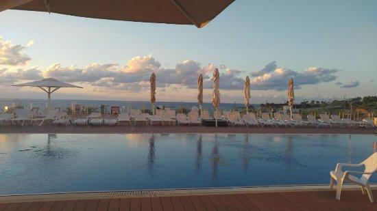 Фотография Island Suites Hotel