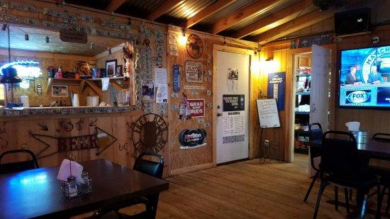 Balmorhea, TX: Jo's bar & Grill