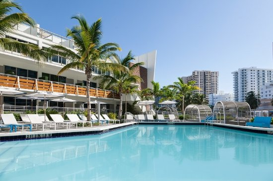 The Gates Hotel South Beach A Doubletree By Hilton Pool