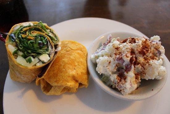 The Magnolia Cafe: turkey humus wrap - Delicious