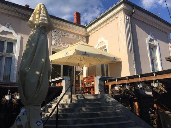 Vranje, Serbia: Ekskluzivni restoran sa nacionalnom kuhinjom u centru Vranja