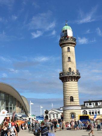 Lighthouse view 9 warnemunde bild von leuchtturm for Hotels warnemunde und umgebung