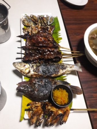 Caloocan, Philippines : platter of various grilled viands