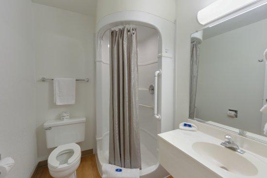 Weed, Καλιφόρνια: Bathroom