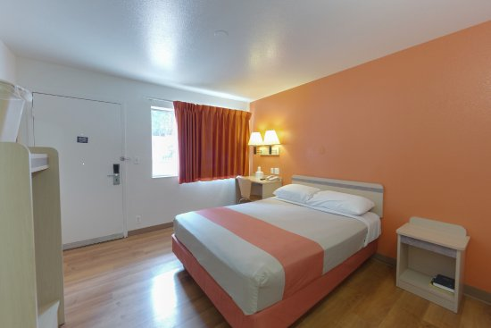 Motel 6 Weed - Mount Shasta: Guest Room