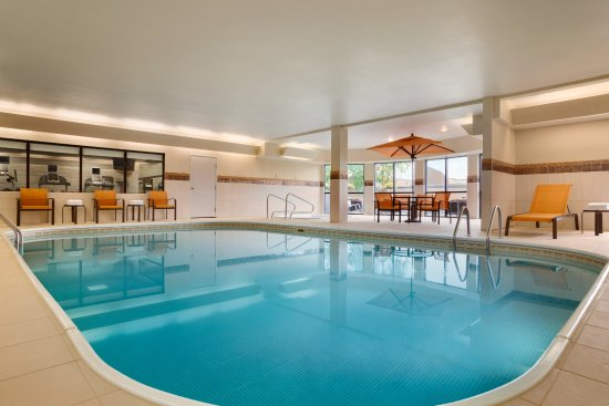 Courtyard Champaign: Indoor Pool