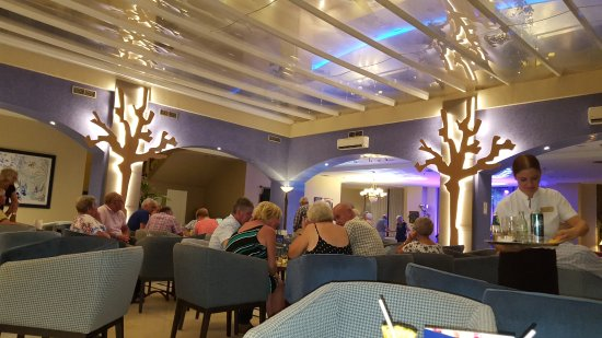 Yaramar Hotel: The cocktail lounge