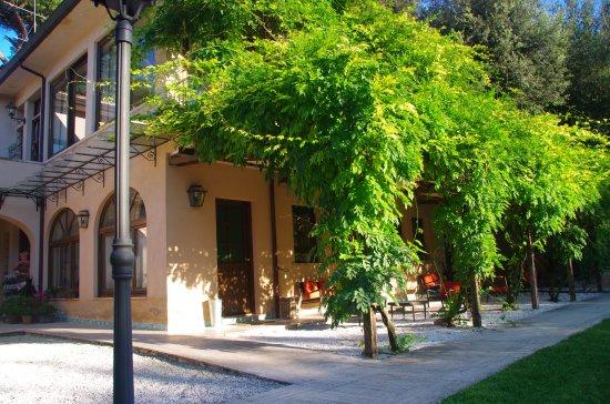 Villa Magnolia Relais: Breakfast area.