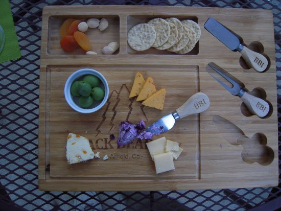 Arnold, Califórnia: Our afternoon cheese and crackers treat