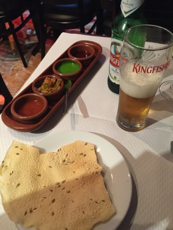 Bagnolet, France : Agneau korma et nan ail, lamb korma