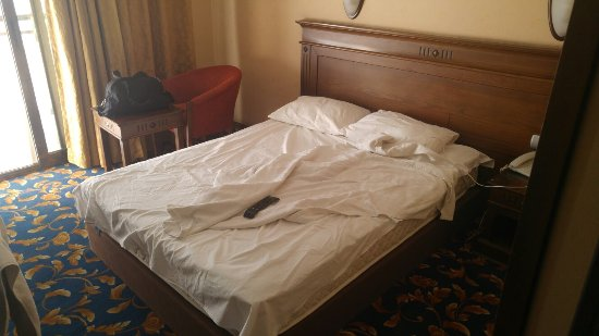 Oasis Hotel: 20160924_085451_large.jpg