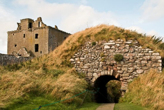 Stonehaven, UK: The Keep/Towerhouse and Gateway