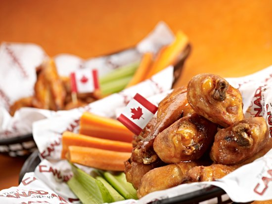 Airdrie, Canada: Wings!