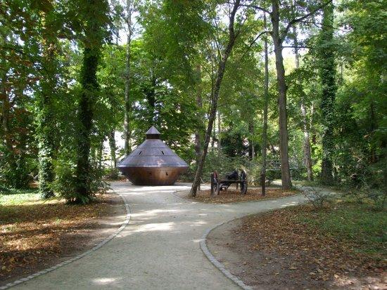 Amboise, فرنسا: Sus inventos en el Jardin