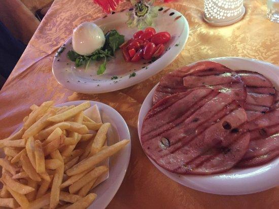 Mogliano Veneto, Italie : Osteria divina.Ambiente cordiale, familiare e con un servizio eccellente e disponibile. Carne fa