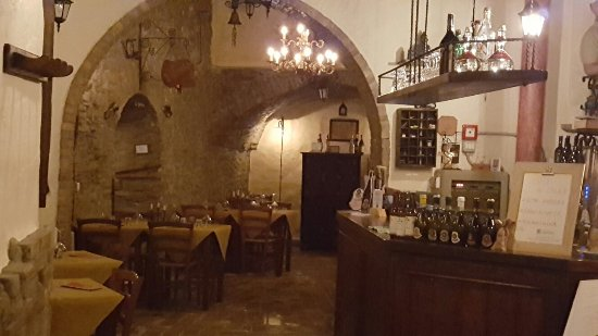 Montescudo, Italië: La Cantinaccia