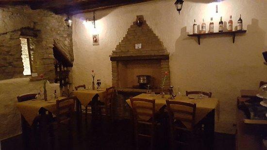 Montescudo, อิตาลี: La Cantinaccia