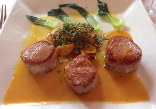 Bethesda, MD: Bacon wrapped pork loin with lentils
