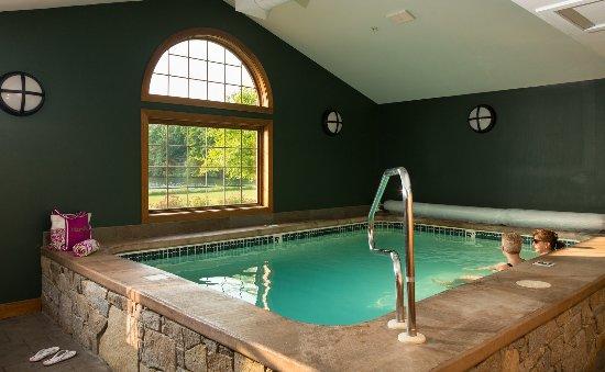 Laconia, NH: Soaking Pool