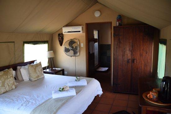 Sausage Tree Safari Camp: photo7.jpg