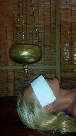 Bentota, Sri Lanka: Treatment with warm oil