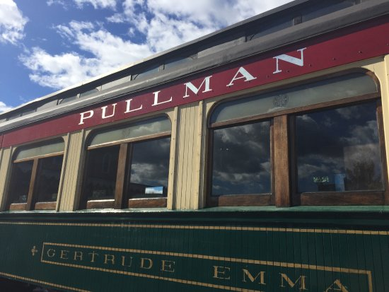 Conway Scenic Railroad: Vintage Car