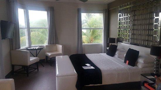 Room Mate Waldorf Towers: 20160924_171718_large.jpg