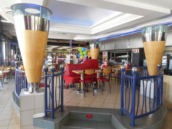 Mkuze, Zuid-Afrika: Inside the Wimpy