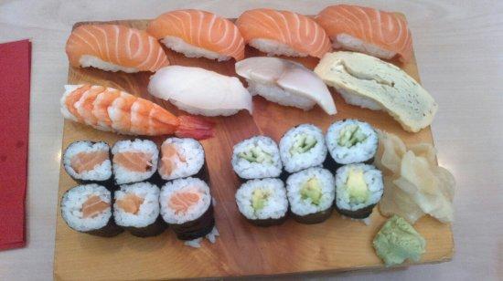 Sushi im Momotaro_large.jpg