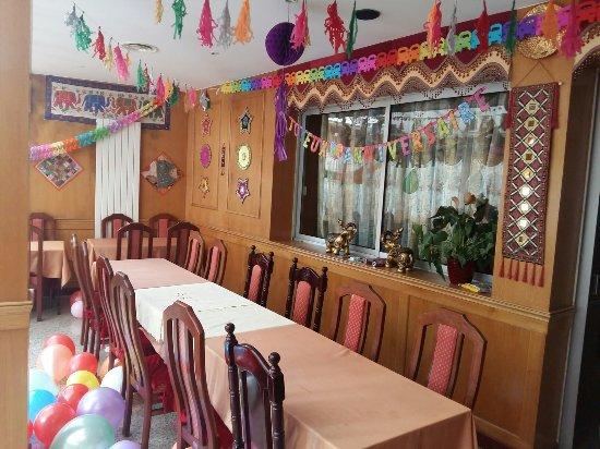 Brie-Comte-Robert, Frankreich: Salle de rajastan pour anniversaire