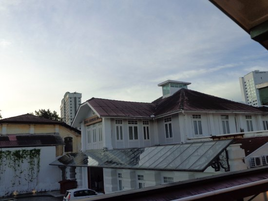 Yeng Keng Hotel: My room looked out on the car park at the back of the hotel