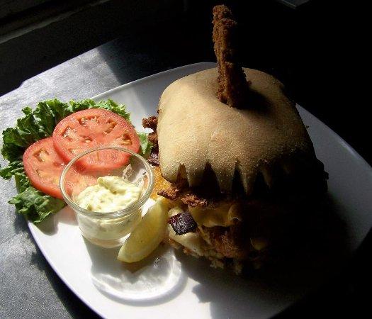 Marenisco, ميتشجان: Badass Fish Sandwich