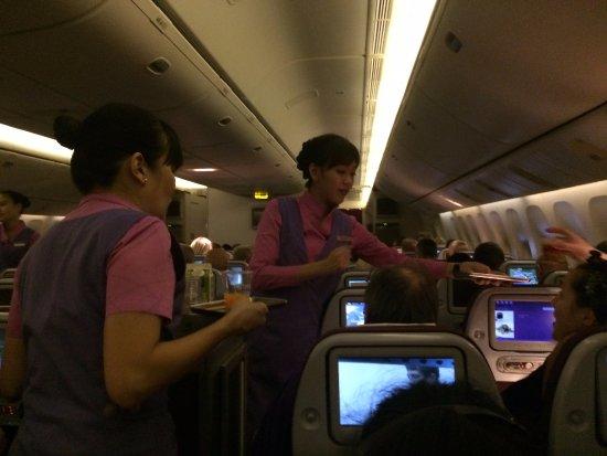 thai airways crew serving good food